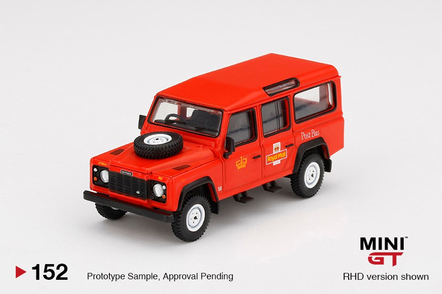 Mini-GT-Land-Rover-Defender-110-Royal-Mail-001