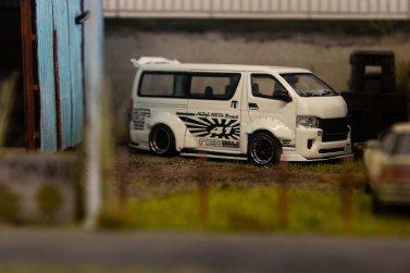 Tarmac-Works-Toyota-Hiace-Widebody-005