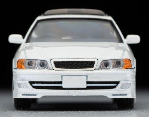 Tomica-Limited-Vintage-Neo-Toyota-Chaser-Tourer-V-Blanche-003