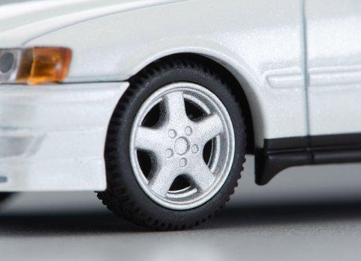 Tomica-Limited-Vintage-Neo-Toyota-Chaser-Tourer-V-Blanche-006
