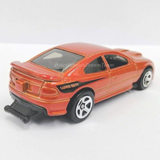 Hot-Wheels-2006-Pontiac-GTO-002