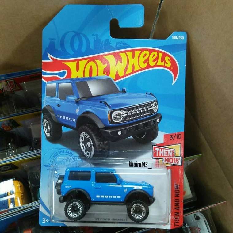 Hot-Wheels-2021-Ford-Bronco-001