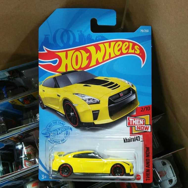 Hot-Wheels-Mainline-2021-Nissan-GT-R-R35-001