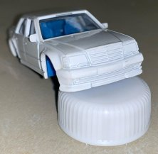 Hot-Wheels-Mercedes-Benz-500E-004
