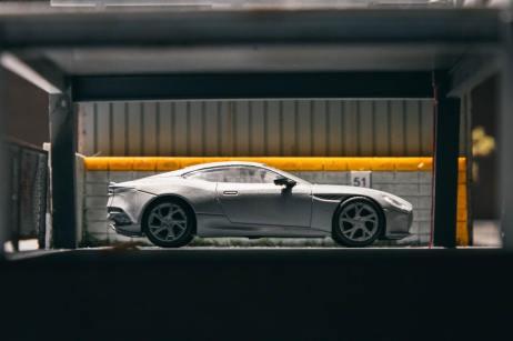 Tarmac-Works-Aston-Martin-DBS- Superleggera-002