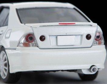 Tomica-Limited-Vintage-Neo-Toyota-Altezza-RS200-Blanc-003