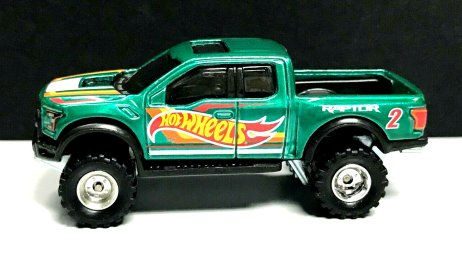 Hot-Wheels-Mail-In-2021-17-Ford-F-150-Raptor-001