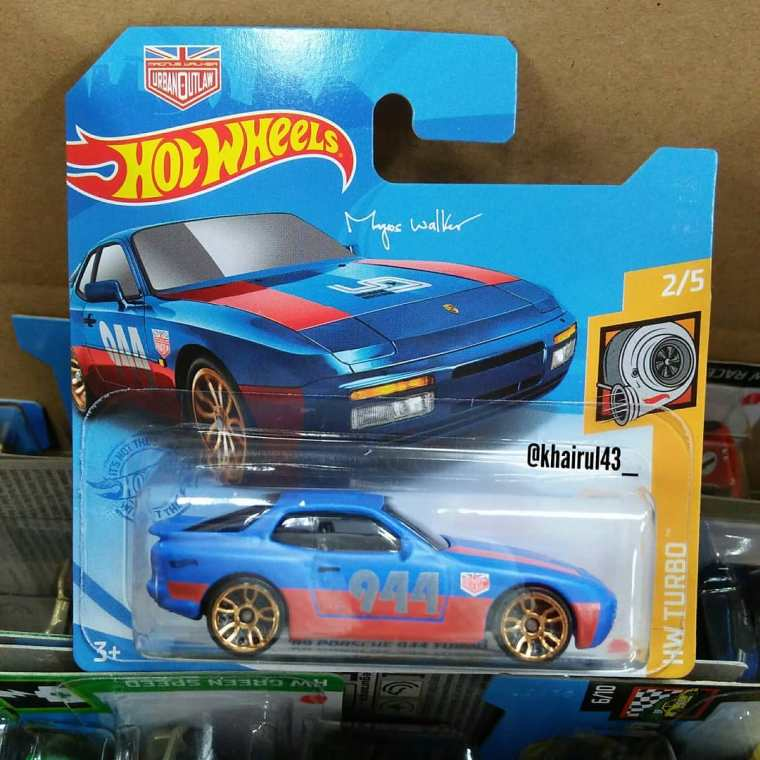 Hot-Wheels-Mainline-2021-Porsche-944-Turbo-Magnus-Walker-001