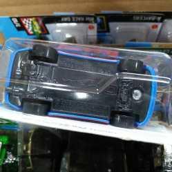 Hot-Wheels-Mainline-2021-Porsche-944-Turbo-Magnus-Walker-006