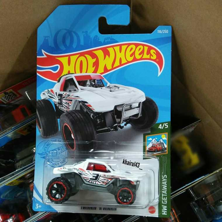 Hot-Wheels-Mainline-2021-Twinnin-n-Winnin-001