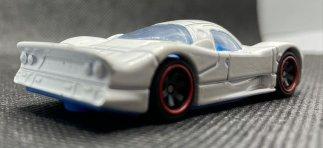 Hot-Wheels-Nissan-R390-GT1-006