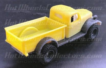 Hot-Wheels-Red-Line-Club-Dodge-Power-Wagon-002