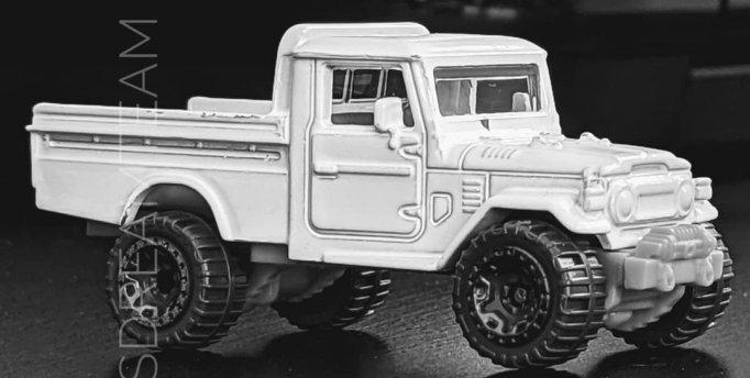 Hot-Wheels-Toyota-FJ45-pick-up-001