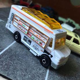 Matchbox-2021-Mix-1-Food-Truck