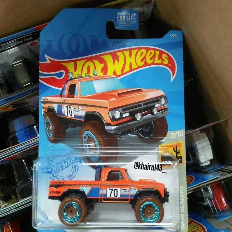 Hot-Wheels-Mainline-2021-70-Dodge-Power-Wagon-001