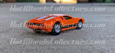 Hot-Wheels-Red-Line-Club-De-Tomaso-Mangusta-002