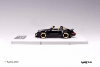 Timothy-and-Pierre-Porsche-964-Targa-RWB-003