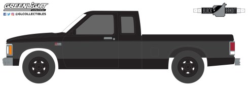GreenLight-Collectibles-Black-Bandit-Series-25-1988-Chevrolet-S-10-Extended-Cab