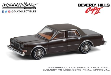 GreenLight-Collectibles-Hollywood-Series-31-1982-Dodge-Diplomat-Beverly-Hills-Cop-II