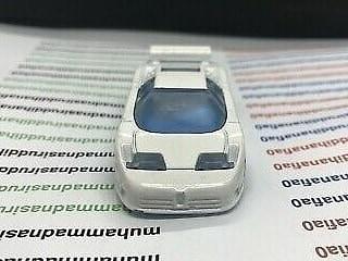 Hot-Wheels-Bugatti-EB110-006