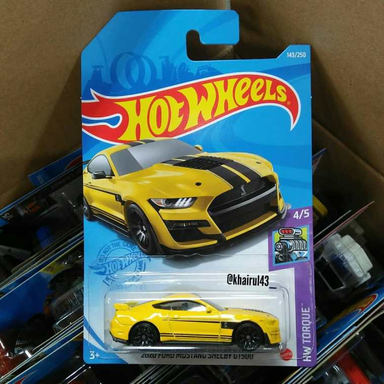 Hot-Wheels-Mainline-2021-2020-Ford-Mustang-Shelby-GT500-001