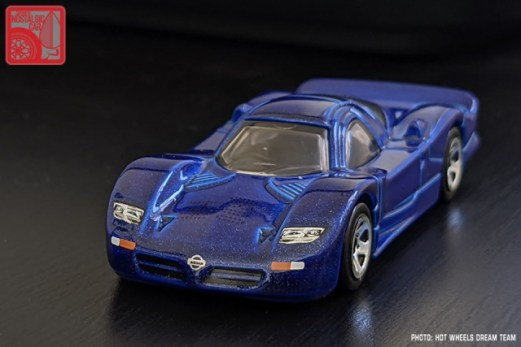 Hot-Wheels-Mainline-2021-Nissan-R390-GT1-004