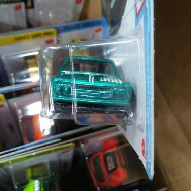 Hot-Wheels-Super-Treasure-Hunt-2021-Datsun-510-003