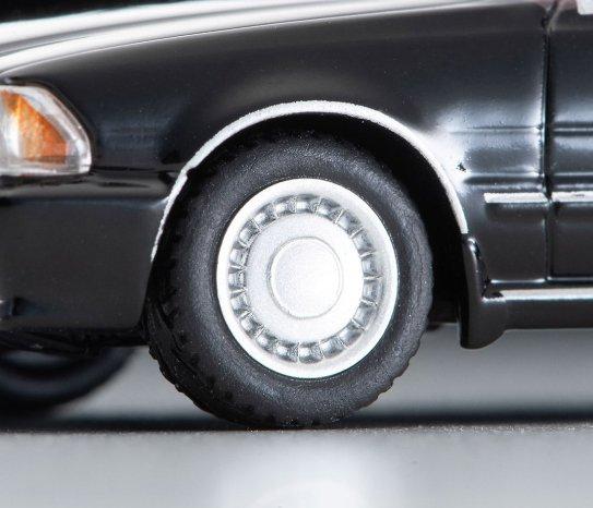 Tomica-Limited-Vintage-Neo-Mai-2021-Abunai-Deka-Nissan-Gloria-005