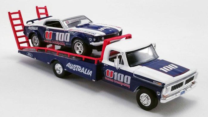 Acme-Allan-Moffat-1970-Ford-F-350-Ramp-Truck-1969-Ford-Trans-Am-Mustang-005