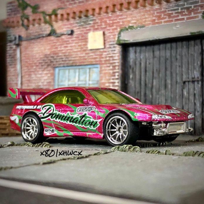 Hot-Wheels-ID-Nissan-Silvia-S14-Kouki-drift-001
