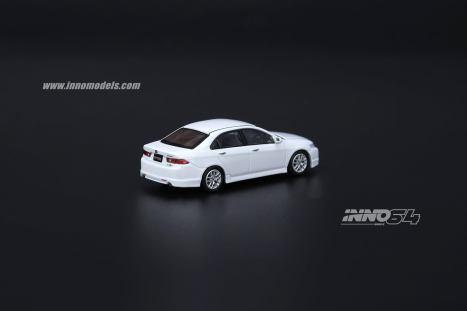 Inno64-Honda-Accord-Euro-R-CL7-Pearl-White-003