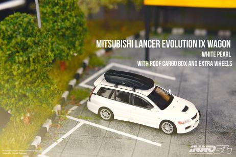 Inno64-Mitsubishi-Lancer-Evolution-IX-Wagon-White-Pearl-002