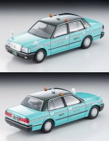 Tomica-Limited-Vintage-Neo-Toyota-Crown-Sedan-Taxi-001