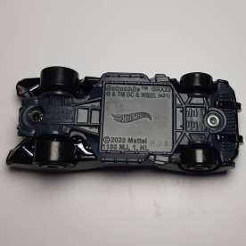 Hot-Wheels-2021-Batmobile-004