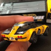 Hot-Wheels-Custom-Corvette-Stingray-Coupe-Carry-On-004