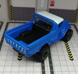 Hot-Wheels-Mainline-2021-Toyota-Land-Cruiser-FJ45-Pickup-003