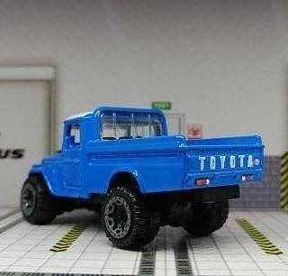 Hot-Wheels-Mainline-2021-Toyota-Land-Cruiser-FJ45-Pickup-004