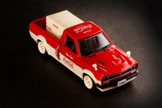 Inno64-x-ToyEast-Nissan-Sunny-Hakotora-Coca-Cola-Pickup-Truck-007
