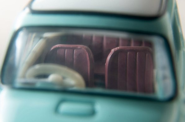 Tomica-Limited-Vintage-Neo-Subaru-360-vert-clair-005