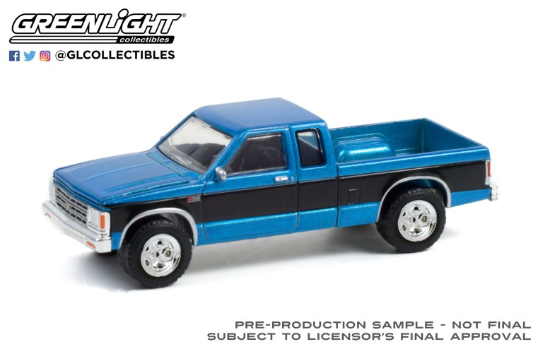 GreenLight-Collectibles-Anniversary-Collection-13-1988-Chevrolet-S-10-Extended-Cab