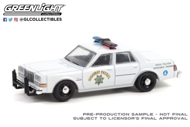 GreenLight-Collectibles-Hot-Pursuit-Series-39-1988-Dodge-Diplomat