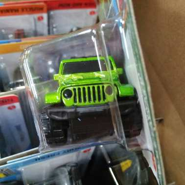 Hot-Wheels-Mainline-2021-2020-Jeep-Gladiator-003