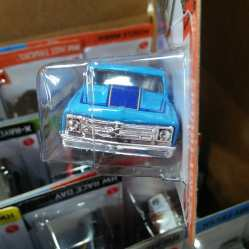 Hot-Wheels-Mainline-2021-67-Chevy-C10-003