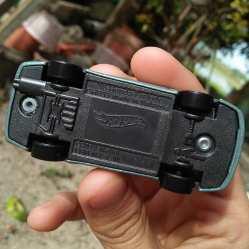 Hot-Wheels-Mainline-2021-98-Honda-Prelude-006