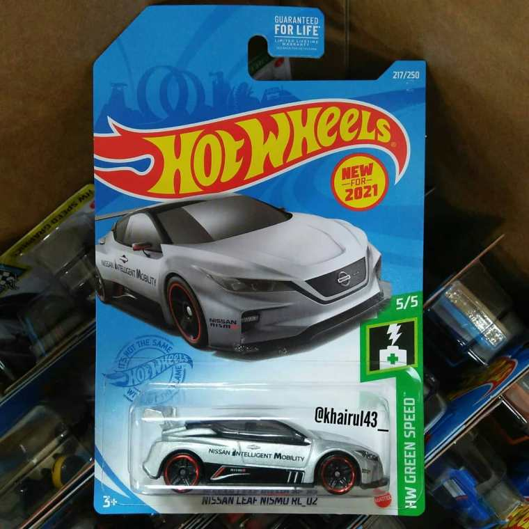 Hot-Wheels-Mainline-2021-Nissan-Leaf-Nismo-RC-02-001