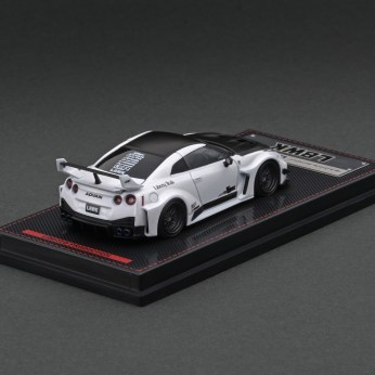 Ignition-Model-LB-Silhouette-Works-GT-Nissan-35GT-RR-Pearl-White-With-Mr-Kato-002