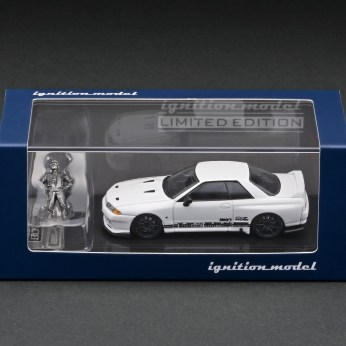 Ignition-Model-Top-Secret-GT-R-VR32-White-With-Smokey-Nagata-003