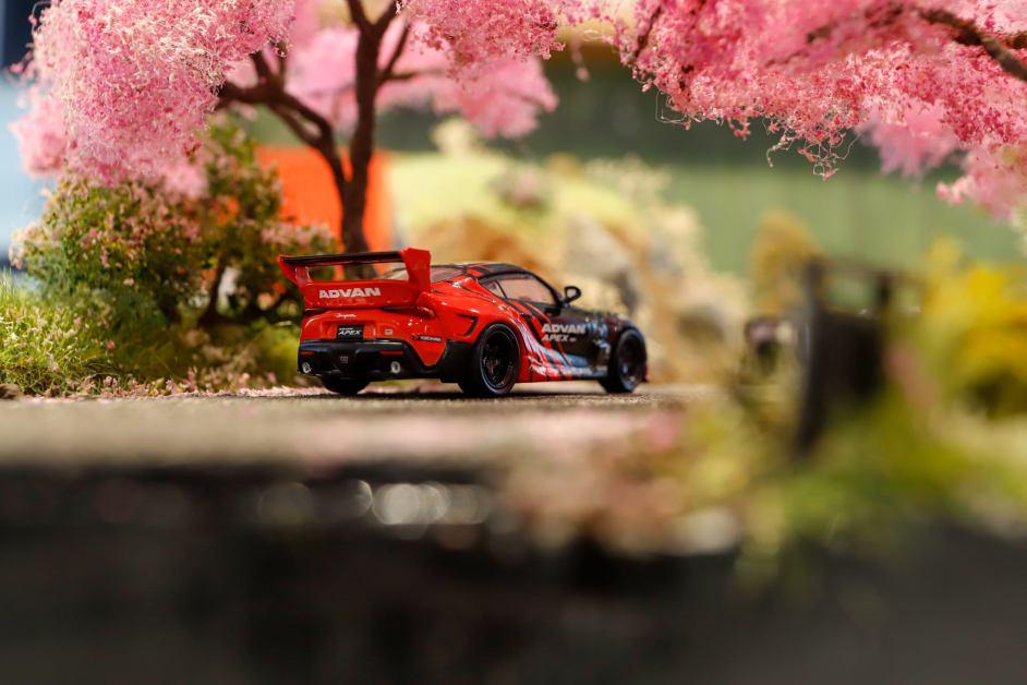 Pop-Race-Pandem-GR-Supra-Advan-Race-Queen-Figure-003