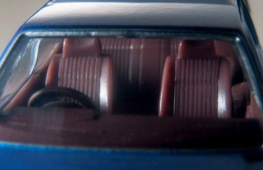 Tomica-Limited-Vintage-Neo-Nissan-Gloria-Wagon-GL-bleu-007