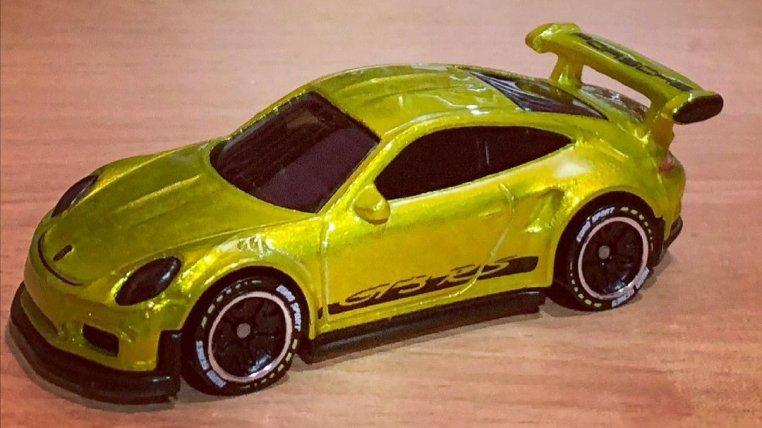 Hot-Wheels-ID-2021-2016-Porsche-911-GT3-RS-001